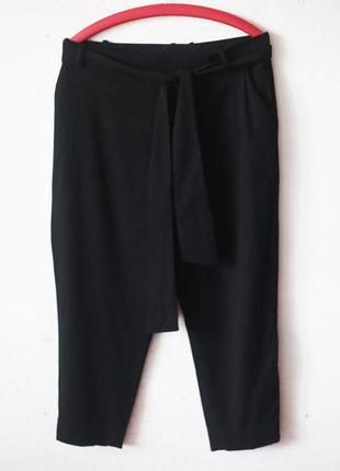 Зауженные брюки cos с иммитацией запаха