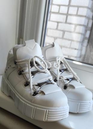 Кроссовки ботинки на широкую ногу
