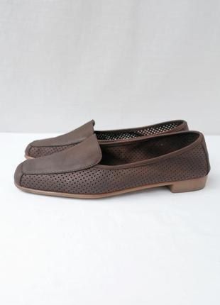 """Стильные туфли """"bhs"""" из перфорированной кожи. размер uk8/ eur41."""