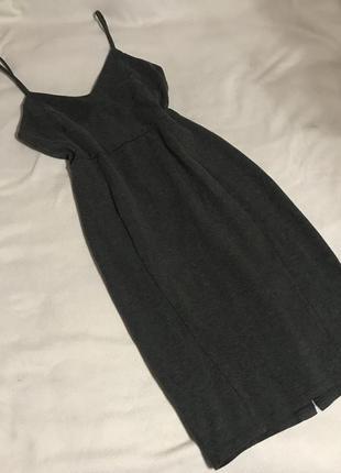 Серое платье по фигуре (м)10р