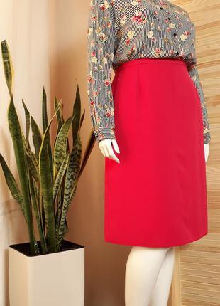 Обалденная юбка цвета фуксии , прямая