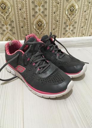 Спортивные кроссы для тренировок бега skechers оригинал