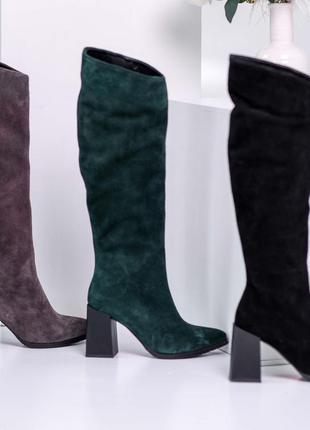 Сапоги замшевые из натуральной темно - зеленой замши на среднем каблуке 8см