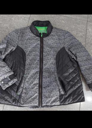 Легкая курточка р.24-26