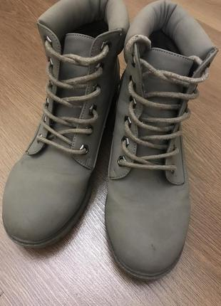 Ботинки хакки на шнурках
