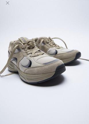 Стильные кроссовки  с контрастными деталями вставки замши зара zara