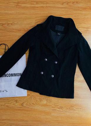 Женская черная  куртка пиджак на запах