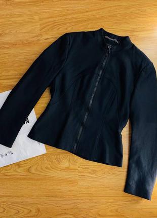 Женская легкая куртка жакет пиджак на молнии