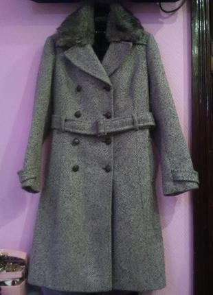 Хит сехона....стильное пальто с меховим воротником