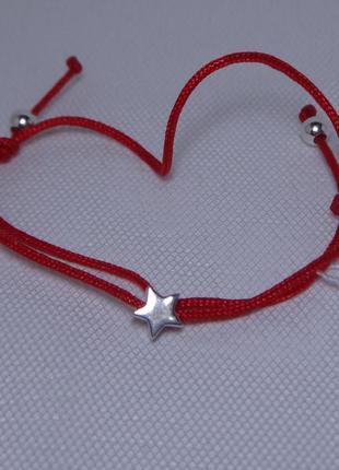 Браслет-оберег красная нить с серебряным декором