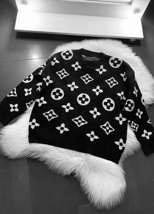 Моднявый свитер