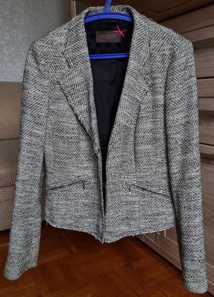 Стильный пиджак на осень s.oliver