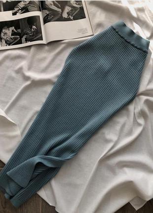 Вязаная миди юбка рубчик