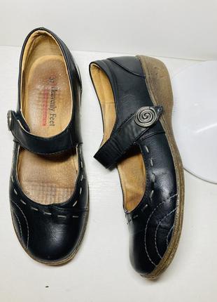 Кожаные туфли босоножки женские мокасины 36 37 размер