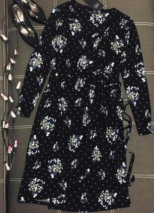 Эффектное платье на запах🍃🌷🍃