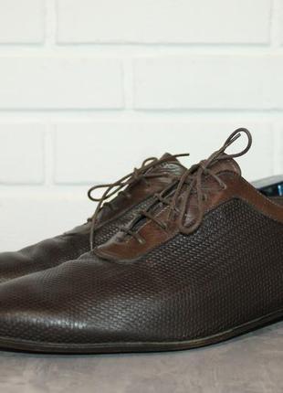 Оригинальные кожаные туфли fendi made in italy