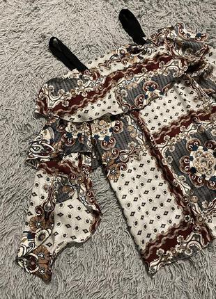 Воздушная блуза с открытыми плечами
