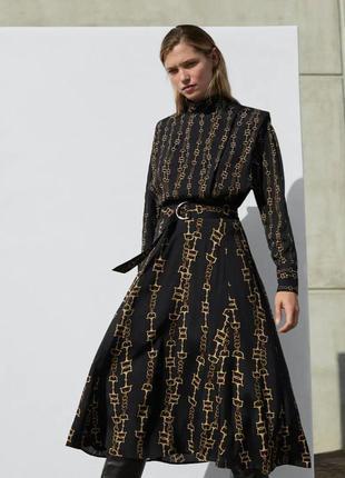 Легкое платье макси в принт цепочки massimo dutti.