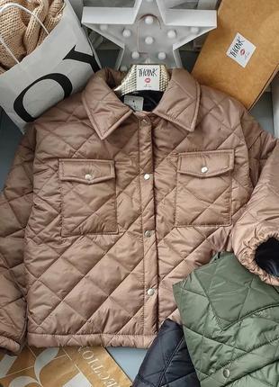 Стьобана курточка з комірцем