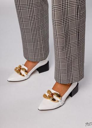 Кожаные туфли лодочки с цепью натуральная кожа