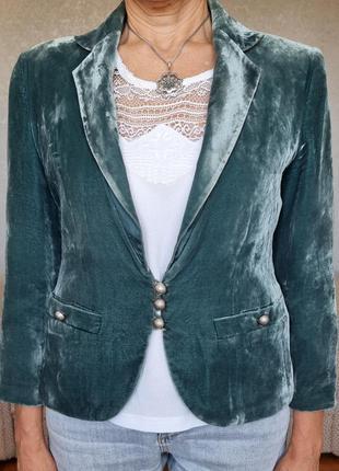 Красивый бархатный пиджак limited collection
