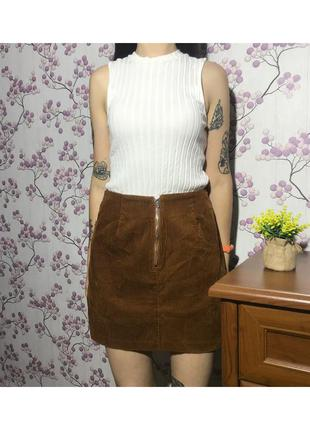 Модная в этом сезоне вельветовая юбка мини р.10/38/м