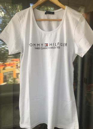 Белая фирменная футболка t.hilfiger