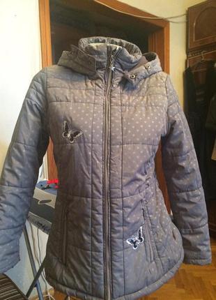 Зимняя куртка серая в горошек с капюшоном,от yigga topolino