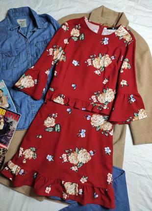 V by very платье красное миди с воланами рукав 3/4 в белый цветочный принт большое