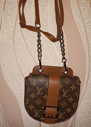 Маленькая сумочка lyuis vuitton