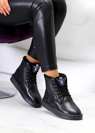 Модные женские черные зимние ботинки угги на шнуровке зима 2021