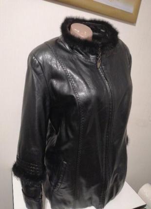 Женская кожаная курточка куртка пиджак чёрный кожа.