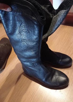 Сапожки кожаные с цегейкой,в отличном состоянии.36р