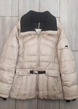 Классная демисезонная курточка 💛