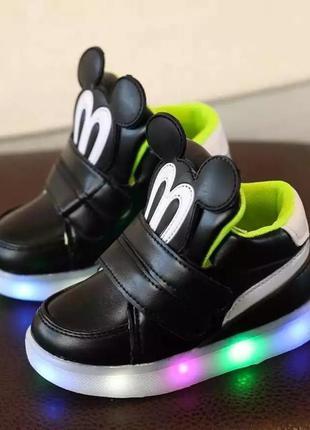 Ботинки сапоги ботиночки микки с подсветкой
