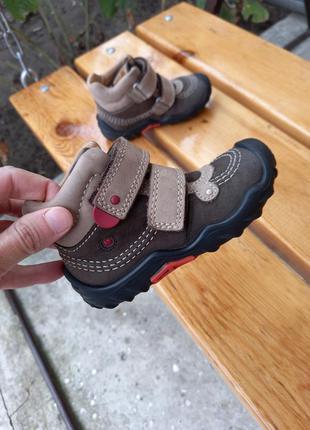 Утепленные деми кожанные ботинки кроссовки elefanten 23 р