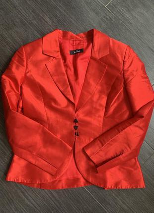 Шикарный шёлковый пиджак vera mont