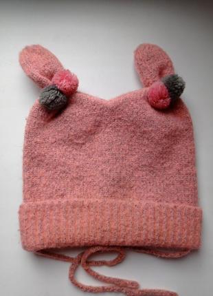 Яскраса шапочка для дівчинки