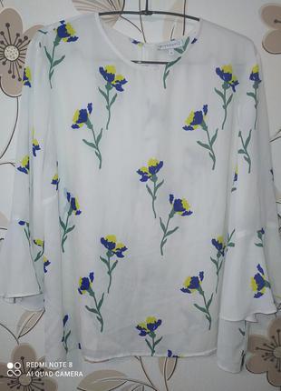 Шифоновая белая блуза warehouseс принтом