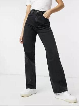 Широкие джинсы высокой посадки