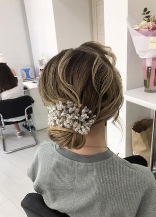 Прикраса у волосся