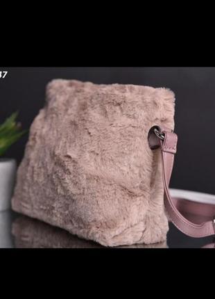 Компактная меховая сумка экомех