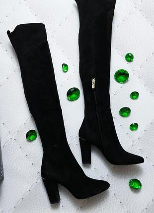 Dkny оригинал черные замшевые ботфорты на каблуке