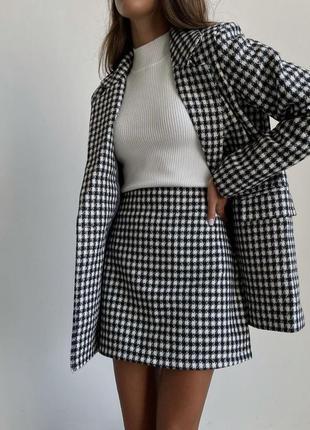 Твидовый костюм.  юбка и пиджак. принт гусиная лапка