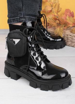 Шикарные лаковые ботинки