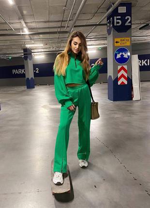 Костюм с ровными брюками и объёмной кофтой зелёный беж мокко чёрный s m петля