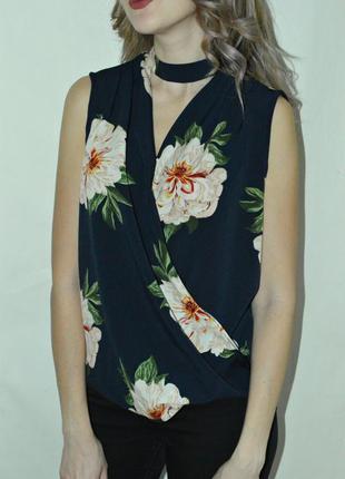 Шикарная блуза на запах с чокером