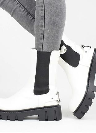 Белоснежные женские ботинки. белые. демисезонные. 36-40р