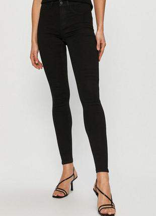 Базовые черные джинсы vila clothes