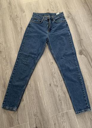 Мом джинси